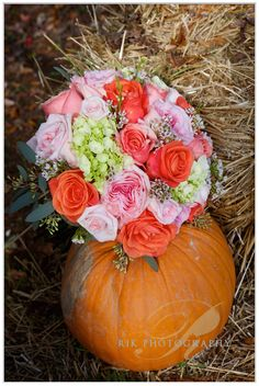 Bouquets, Pumpkin, Table Decorations, Flowers, Wedding, Beautiful, Home Decor, Valentines Day Weddings, Pumpkins
