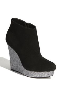 For those of you shorter than Serena van der Woodsen, here's an alternative boot from GG 5.11