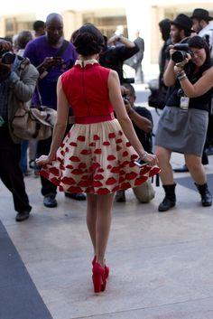 Street fashion: New York Fashion Week w obiektywie Dine & Dash New York Fashion, Street Fashion, Print Patterns, Ballet Skirt, Street Style, Fall, Floral, Skirts, Urban Fashion