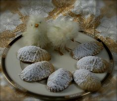 Semolina cookies with date (Maamoul)