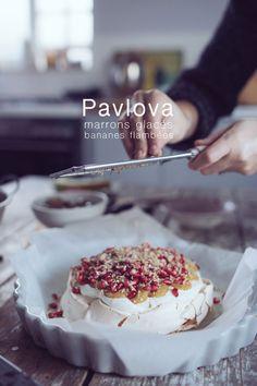Dessert de fête, premier test d'une pavlova aux bananes flambées et marrons glacés