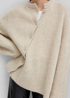 Winter Fashion Germany love this cardigan!Winter Fashion Germany love this cardigan! Fashion Wear, Boho Fashion, Fashion Outfits, Fashion Tips, 2000s Fashion, Classy Fashion, Petite Fashion, French Fashion, Fashion 2020