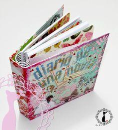 Agenda Wedding Planner (agenda para novias): http://cinderellatmidnight.com/2013/11/26/chupi-agenda-preciosa-para-novias-y-adelanto-del-tutorial-de-manana/