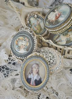 Love these little portrait boxes! #vanitydecor