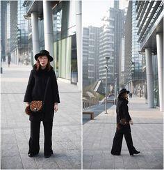 Get this look: http://lb.nu/look/8613615 More looks by Eleonora Pellini: http://lb.nu/pelletz Items in this look: Bonprix Animalier Bag, No Brand Black Hat, Zara Black Coat, Stradivarius Wide Pants #chic #minimal #street #black #wide #widepants #palazzopants #palazzo #onceupontime