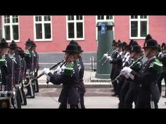 His Majesty the King's Guard marching through the streets of Oslo to the royal palace on the 17th of May 2015 - Norway's National Day! HMKG 2015 Gatemarsj 17.mai 2015 - YouTube