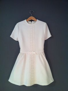 Vintage White Girls Dress Floral 1960's  Yes, I realize white and my child are a pipe dream, but hey....
