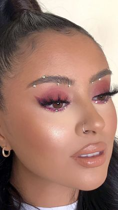Piercing and purple eye makeup . Piercing and purple eye makeup Purple Eye Makeup, Makeup Eye Looks, Pretty Makeup, Scary Makeup, Jewel Makeup, Glitter Face Makeup, Exotic Makeup, Crystal Makeup, Pink Eyeshadow