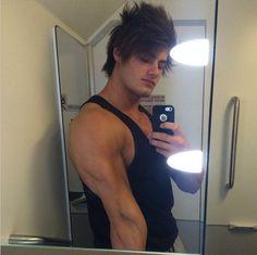 Jeff Seid - black tanktop - triceps