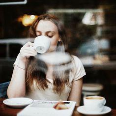 Analogta zamanlama bir kareyi öldürebiliyor. Canon Ae1 Program #analogue #coffee by rrrroza