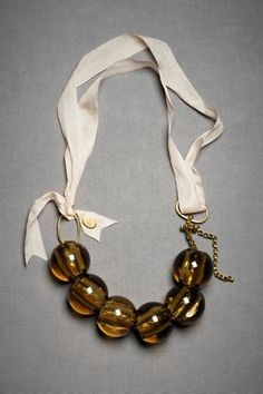 DIY chunky necklace, ribbon + ball beads. trend alert.