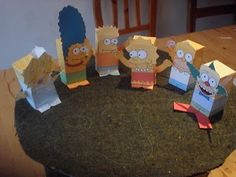 Toy a day Simpson family. I love papertoys!