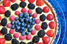 The Whole Life Nutrition Kitchen: Raw Berry Tart with a Coconut Pastry Cream (vegan, gluten-free)