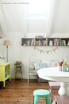Nuovo look per la cameretta - Shabby Chic Interiors | For the kids ...