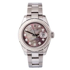 This striking ladies vintage Rolex from 2006 features an eye-catching black mother of pearl dial that shimmers under the light. #vintagewatch #motherofpearl #watch #rolex