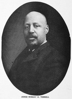 Two time valedictorian Judge Robert Herberton Terrell (1857-1925) became the first African American judge in the nation's capital, January 15, 1910. He received a B.A., cum laude, valedictorian from Harvard University in 1884; the L.L.B. degree, valedictorian from Howard University School of Law in 1889; and the L.L.M. from Howard University School of Law in 1893. #BlackHistory #HowardUniversity #HBCU