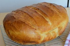 Paine de casa traditionala ungureasca (28) Cooking Bread, Bread Baking, Bread Recipes, Cake Recipes, Cooking Recipes, Romanian Food, Romanian Recipes, Home Food, Dough Recipe