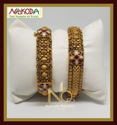 Gold Wedding Jewelry, Gold Jewellery, Wedding Ring, Jewelery, Gold Bangles Design, Gold Earrings Designs, Necklace Designs, Antique Jewellery Designs, Antique Jewelry
