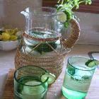 AGUAS FRESCAS (MEXICANAS) Agua de hierbabuena y pepino