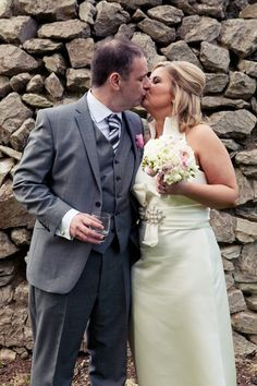 Stone wall Stone, Wedding Dresses, Wall, Photography, Fashion, Bride Dresses, Moda, Rock, Bridal Gowns