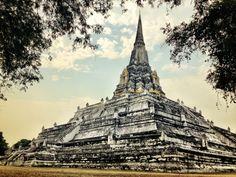 Le temple de Wat Phu Khao Thong - Thaïlande - Pour consulter tous nos circuits en Thaïlande: http://www.asietours.com/thailande/searchProducts?c.ts=ci&c.de=as.th