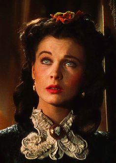 *****  reminiscent-smile:  Vivien Leigh in Gone with the wind. Li a biografia dela . Deixou uma filha chamada Suzana.