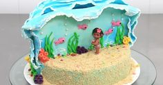 How to make Moana Disney cake-Have you seen Moana? No, then rush to your nearest theatre, and once you've done with this, you will want to bake this cake. Baby Cakes, Cupcake Cakes, Moana Birthday Party, Moana Party, 3rd Birthday, Birthday Ideas, Moana Theme, Birthday Cakes, Hawai Party
