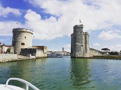Entrée dans le vieux port de La Rochelle www.guide-charente-maritime.com Guide, Tower Bridge, Travel, Puertas, Viajes, Traveling, Tourism, Outdoor Travel