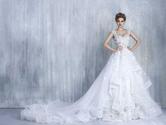 Bonitos vestidos de novias   Colección Tony Chaaya