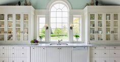 The Problem With All-White Kitchens That No One Tells You About