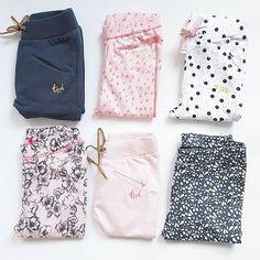 Der er kommet så mange lækre bukser/leggings til de små piger fra Tumble 'N Dry Størrelser fra 50-92 Håber I får en god aften