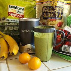 Kelly Lester @easylunchboxes starts her day with a  power smoothie! Key ingredients include Coach's Oats, kale, spinach, Greek yogurt, strawberries, and a banana. Thank you Kelly! #coachsoats #oatmealsmoothies #smoothies #easylunchboxes