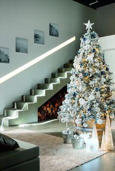 Elementos clásicos del invierno como témpanos de hielo, las estrellas, bolas y los mezcla con tonos blancos y azules - Leroy Merlin