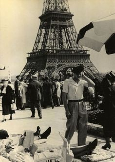 indypendent-thinking:  1937, Paris by Hannes Kilian (via verdaeugallery.com)
