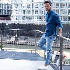Simple casual double denim look from - the ripped jeans can go IMHO but the rest of the street wear combo looks good with a denim shirt with rolled up sleeves light wash ripped denim no show socks white stan smith sneakers Simple Outfits, Casual Outfits, Men Casual, Fashion Outfits, Smart Casual, Mens Fashion Blog, Fashion Moda, Fashion Trends, Fashion Menswear