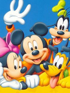 Just before Mickey goes to the hospital Minnie Donald & Jose Carioca find him before the rooftop falls on him & gets hurt Minnie Donald & Jose Carioca even see the rooftop falling on Mickey just before they see him hurt. Mickey Mouse Kunst, Mickey Mouse Clipart, Mickey Mouse Cartoon, Mickey Mouse And Friends, Mickey Minnie Mouse, Mickey Mouse Wallpaper, Disney Phone Wallpaper, Mickey Mouse Pictures, Disney Pictures