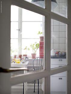 Breakfast | IKEA Livet Hemma – inspirerande inredning för hemmet Ikea Breakfast, Cribs, Bed, Furniture, Home Decor, Corning Glass, Cots, Decoration Home, Bassinet
