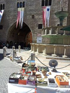 The antiques flea market in Fabriano - Marche - Italy - every 2nd friday of the month in June, July and August, every 2nd sunday of the month from September to May  photo by Stefano Ambosini