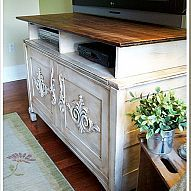 DIY:: Old Chest repurposed to an Entertainment Unit