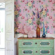 dream room  ピンクの花柄の壁紙