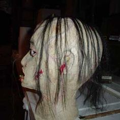 great tute for styro head, also tutes for moving ghost and skulls(with a fan)