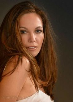 Diane Lane Is 45 Years of Torturing Beautiful Celebrities, Beautiful Actresses, Gorgeous Women, Diane Lane Actress, Classic Beauty, Pretty Woman, Beauty Women, Redheads, Hollywood