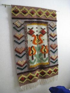 Puoliryijy pirtin ikkuna Wool Rug, Textiles, Rugs, Eggs, Farmhouse Rugs, Fabrics, Rug, Textile Art