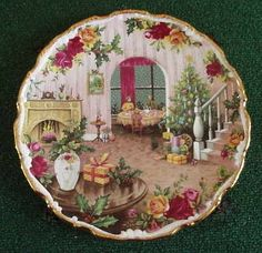 Royal Albert Christmas Magic Plate Old Country Roses