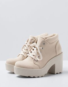 Trendy Sneakers Trendy Sneakers Bershka France Online Fashion for Women and Men C Sneakers Mode, Sneakers Fashion, Fashion Shoes, Shoes Sneakers, Shoes Heels, Fashion Fashion, Fashion Online, High Heel Boots, Heeled Boots