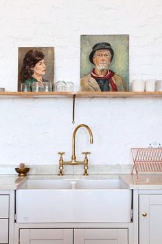 What Kitchen Sink Is Right For You? A Look at Stainless, Cast Iron, Marble & More