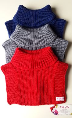Hand knit neck warmers, roll collars, wool laces for baby, grandchild . Hand Knit Scarf, Knitted Poncho, Knitted Bags, Knitting Patterns Free, Free Knitting, Big Knit Blanket, Baby Pullover, Big Knits, Baby Hats Knitting