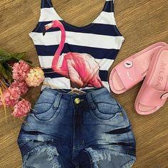 Causal summer style with denim shorts and flamingo bodysuit. Look Fashion, Teen Fashion, Fashion Outfits, Womens Fashion, Mode Rockabilly, Stylish Outfits, Cute Outfits, Outing Outfit, Kpop Outfits