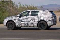 Land Rover Discovery Sport spied testing in United States.