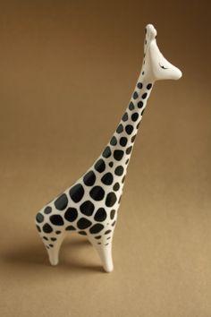 Hollóházi porcelán - zsiráf Inuit Art, Retro Art, Giraffes, Modernism, Squirrels, Pottery Art, Hungary, Art Work, Sheep